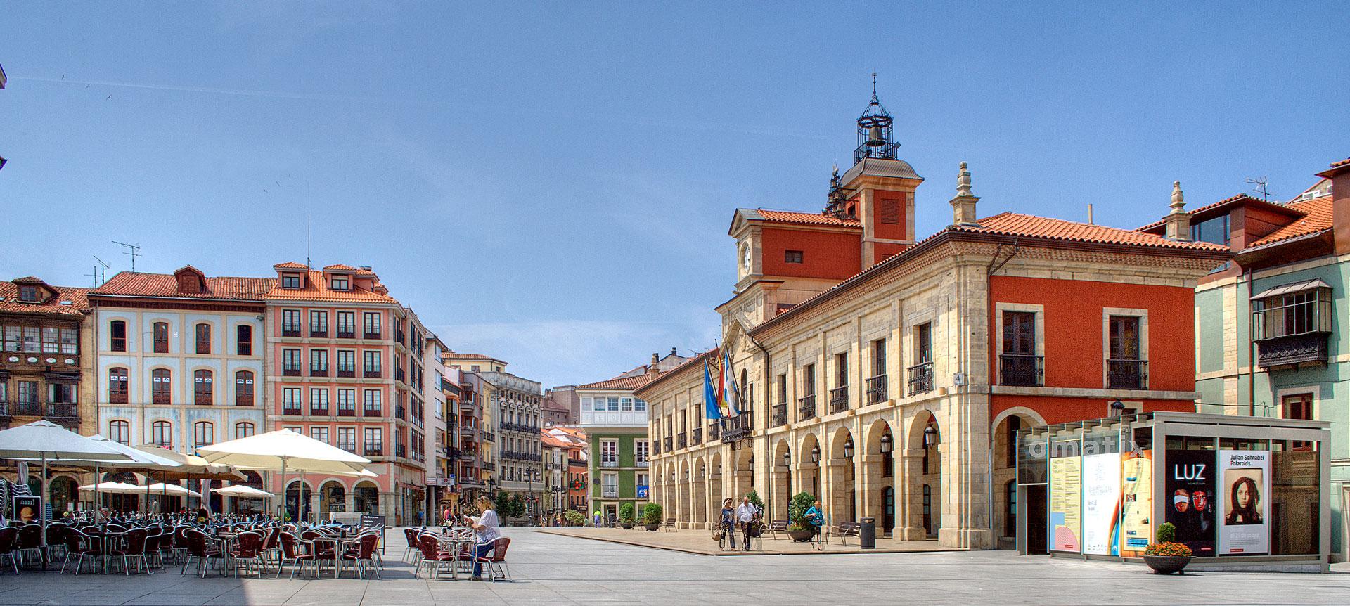 El encanto de Avilés Plaza de España